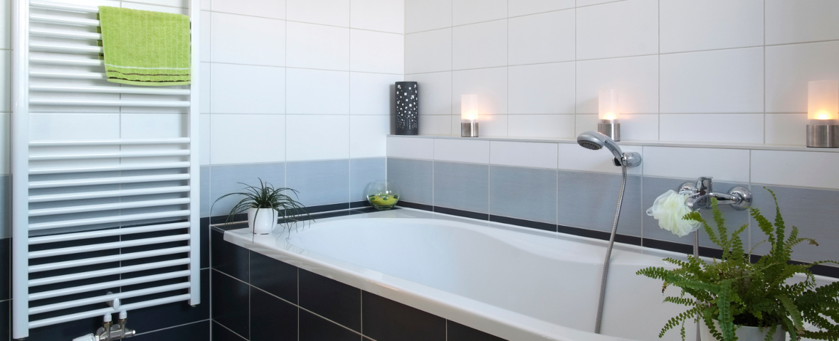 badewanne einbauen lassen haust ren einbauen lassen hauptdesign badewanne beschichten lassen. Black Bedroom Furniture Sets. Home Design Ideas